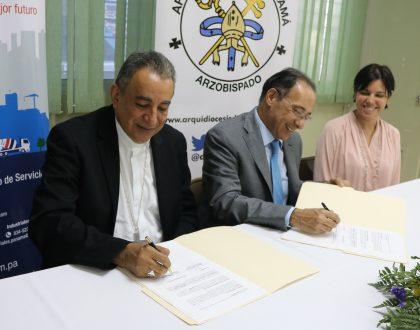 Firma del Convenio de Cooperación entre la Arquidiócesis de Panamá y Cemento Bayano, S.A.