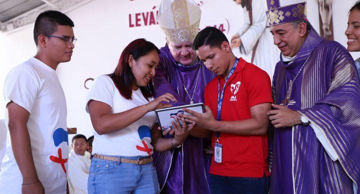 Obispos y jóvenes panameños se inscriben como peregrinos en la JMJ 2019